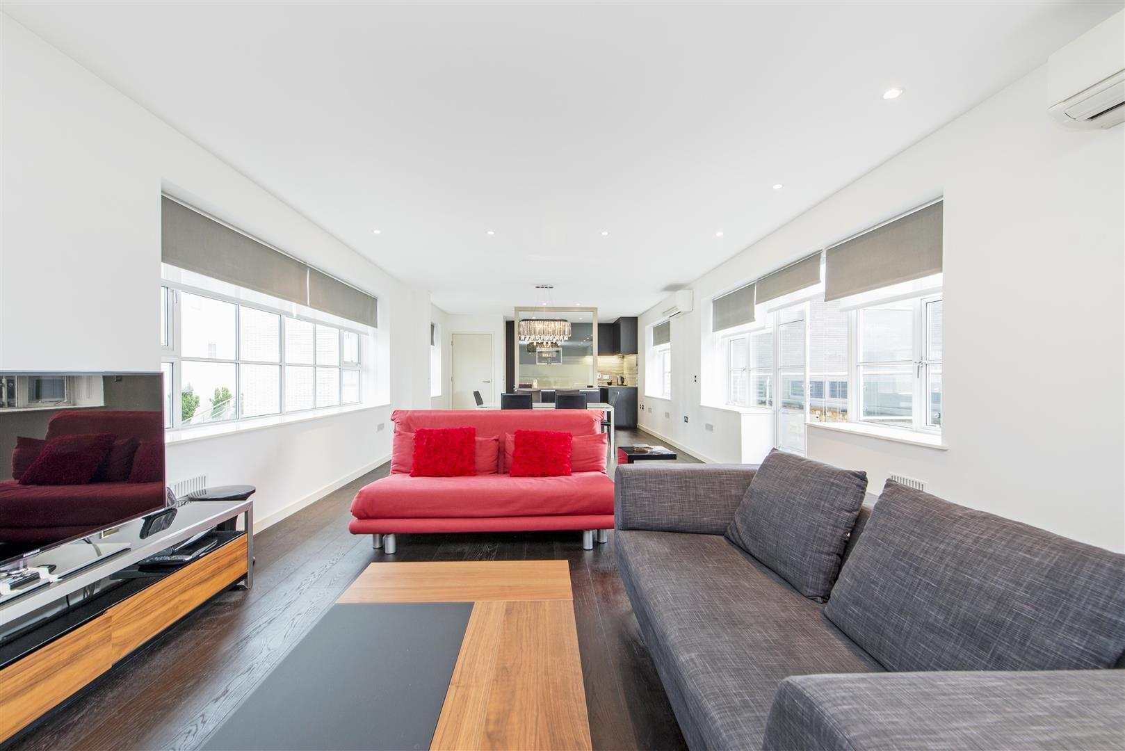 2 Bedrooms Flat for rent in The Regent Loft, 14 Marshall Street, Westminster, London, W1F